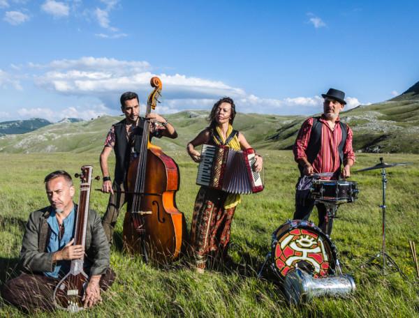 nuove-tribu-zulu_Foto-di-Cristina-Aruffo-e-Gianni-Coccia_Collettivo-Fotografico-di-Guidonia-1024x779